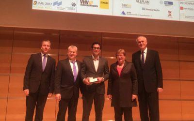 """Dominik Steuer gewinnt Bundeswettbewerb """"Auf IT gebaut"""""""